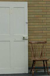 アンティーク ウッドパネルドア Antique White ロック付き ウッド