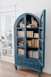 Blue furniture paint color I used Annie Sloan Chalk Paint in Aubusson Blue and s…