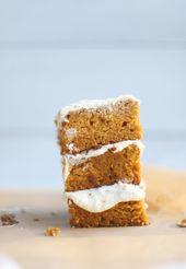 Glutenfreier Kürbis-Blatt-Kuchen mit dem Frischkäse-Bereifen   – Sweet tooth