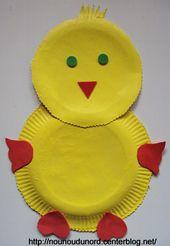 Poussin de Pâques avec des assiettes en cartons *2010*