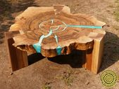 Nussbaum live-Rand Couchtisch mit leuchtenden Harz und Beine aus Holz