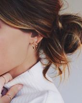 wie man minimalistische Ohrringe gestaltet