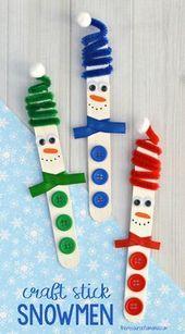 Dieser Craft Stick Schneemann mit einem lustigen Spiralpfeifenreiniger ist ein echter S