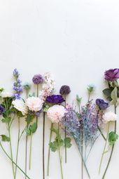 Kreieren Sie diesen einfachen ultravioletten Hochzeitsstrauß für den Frühling