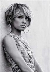 20 kurze stachelige Frisuren für Frauen #frauen #styles #short #stitchy   – Haarschnitt bob