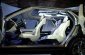 Futuristic Land Rover Discovery Vision Concept Unveiled
