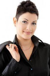 Black is BACK: Tragen Sie schwarzes Herbsthaar? Hier finden Sie coole schwarze Frisuren!
