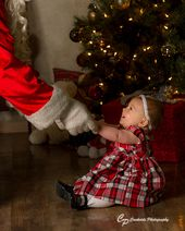 Babies first Christmas, Christmas Portraits, Baby see's Santa, Santa Portrai… – Mode