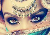 تفسير الكحل في حلم المرأه المتزوجه معنى وضع كحل العين في المنام Porcelain Art Kutani Porcelain Art
