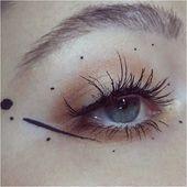 Makeup-Tools. Steigern Sie Ihre Schönheit in Richtung spektakulärer neuer Eben