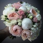 ENGLISCHE ROSEN, SPRAYROSEN, PÄONIEN, FREESIEN, DAVIDAUSTIN, JULIET:   – Brautsträuße