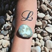55 Charming Initial Tattoo Designs – Halten Sie einen geliebten Menschen näher zu Ihnen …, …