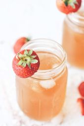 This sweet iced tea is the best! Green tea filled with frozen strawberries and m…   – drinks nonalcoholic