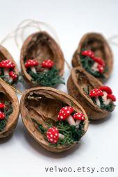 Ornements de Noel de champignon – ornement de coquille de noyer – ornement fait à la essential – décor de vacances
