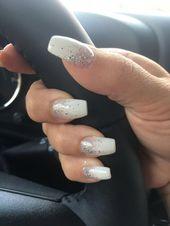 White glitter nails – #graduationnails #silvernails