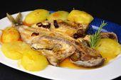 Lubina al horno con patatas para Navidad   – Recetas de comida de nestle