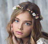 White Flower Hair Crown Bridal Headband by FlowersArt, #Flower #FlowersArt #Hair #Ho …