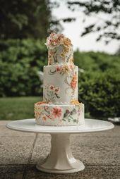 Southern Charm kommt nach Wadsworth Mansion in Connecticut, Blume gemalt Kuchen, …   – Wedding Cakes