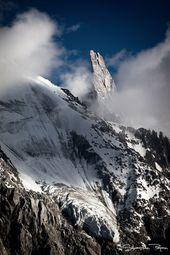 la dent du gant un sommet du massif du mont blanc culminant