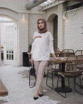 Warna Jilbab Yang Cocok Untuk Baju Hitam