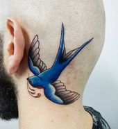 Arbeit des Tages endlich ein buntes hahah ist noix @vinimoraistattoo #tattooed …