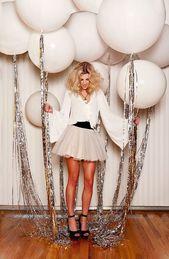 Verzaubern Sie Ihre Silvesterparty-Luftballons mit silbernen Quasten. #partydecor