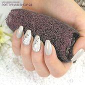#trendstyle #trend #sand #nails Zwei Schmucknägel strahlen um diese dezente Nailart …