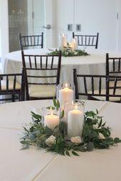 Centres de mariage de verdure romantique