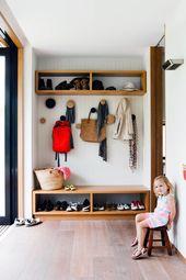 Modern Family Beach House   – Garderobe