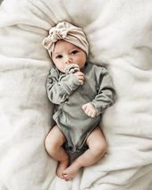 Haferflocken Mütze: (Trikot) w / Top Knot – Baby Mütze, Baby Turban, Neugeborenen Mütze, Tan Baby Mütze, Krankenhaus Mütze, Baby Bogen Mütze, Turbane für die Kleinsten – Child Photography