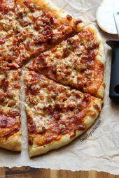 Hausgemachte dünne Kruste Fleisch Liebhaber Pizza Rezept von Rachel {Gebacken von Rachel}