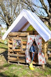 DIY the Pallet Playhouse of Your Kiddo's Dreams