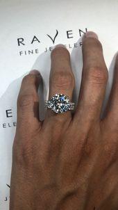 6 Carat Round Diamond Collar & 2.5mm Diamond Eternity Band Bridal Set – Feste/feiern