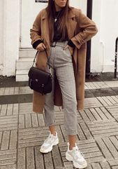 Du bist auf der Suche nach stylischen Jacken und M…