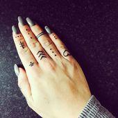 Fingertattoo #finger #tattoo #fingertattoo #handtattoo #vikingtattoo    – Tattoo…