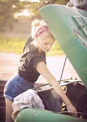 Photo of Meisje met haar auto. – Zomeroutfits