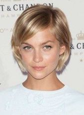 Short hairstyles for women with fine, thin hair
