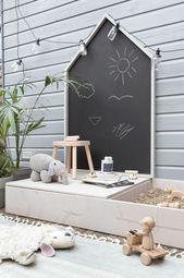 Gestalten Sie Ihr eigenes Spielhaus mit Tafel und Sandkasten DIY Spielhaus mit Kreide
