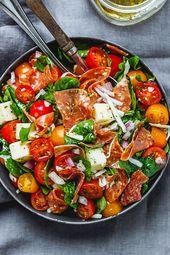 Spinach Salad with Mozzarella, Tomato & Pepperoni