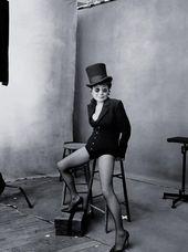 Yoko Ono © Pirelli Kalender 2016 por Annie Leibovitz   – Einrichtung