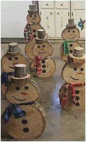 Bricolage décoration de Noël en bois grande artisanat avec des disques d'arbre