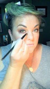 Ich verlasse meine Komfortzone und poste ein Video, in dem ich mich schminke. Ju …   – Best Moisturizer For Oily Skin