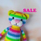 Häkeln Sie Regenbogen Katze Kitty Amigurumi gestrickte Katze Kitty handgemachte Spielzeug Kuscheltier weiche Öko Spielzeug für Baby Katze weiche Plüsch Katze Ostern Dekor Spielzeug