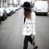 Der Cacci Blazer ist eine aktualisierte Version einer klassischen Garderobe. 📸 von @theda ...