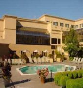 Hotel Monarch Hotel And Conference Center Clackamas Or U S A For Exciting Last Minute Deals Checkout Tbeds Visit Hotel Outdoor Pool