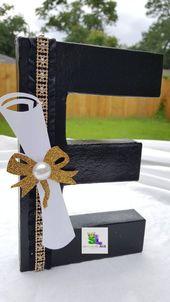 Fiesta de graduación Graduación fiesta decoraciones de graduación ideas de fiesta graduación Letras de graduación Graduación Graduación decoradas letras decoradas