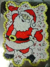– Kuchen mit Cupcakes, Weihnachtsmann mit Paspelgel und Schlagsahne