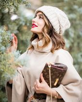 """2aae4a7a4486e9dcd03351dab8617cc1 - Shahad AlQaysi   شَهْد القَيسي on Instagram: """"Enjoying every bit of the most beautiful time of the year, but I legit need someone to take my credit card and hide it ASAP! sales…"""""""