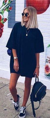 #Sommer #Outfits Schwarzes Kleid und schwarze Vans Low-Tops