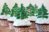 Celebre la temporada navideña con una receta rápida y fácil de cupcakes de chocolate …   – Just for Christmas